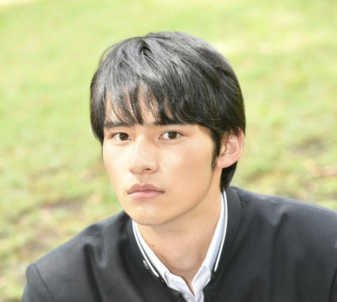 岡田健史さん